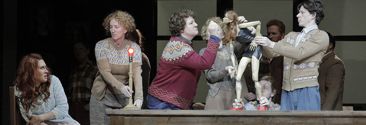 A scene from Ariodante at Lyric Opera of Chicago.